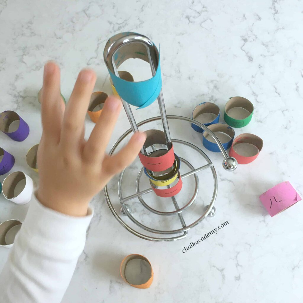 Number and color patterns with recycled paper rolls