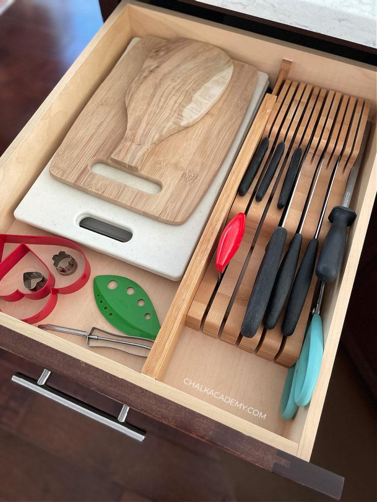 Knife and cutting board drawer organization